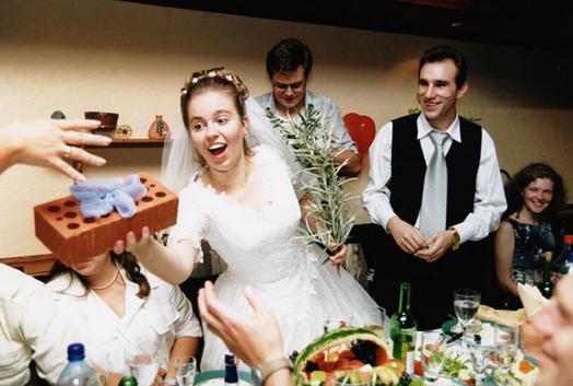 Что дарят на свадьбу? Что подарить на свадьбу?