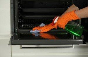 Как почистить духовку в домашних условиях?